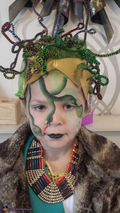Medusa Girl's DIY Halloween Costume