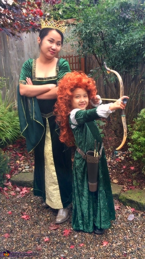 Queen Elanor and Merida, Merida's Family from Brave Costume