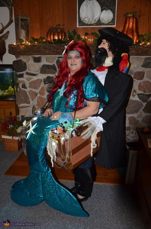 Mermaid Pirate Carry Me Costume