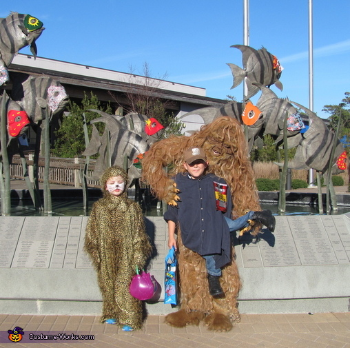 Messin' With Sasquatch Homemade Illusion Costume