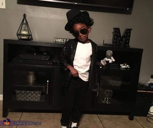 Serious pose, Michael Jackson Costume