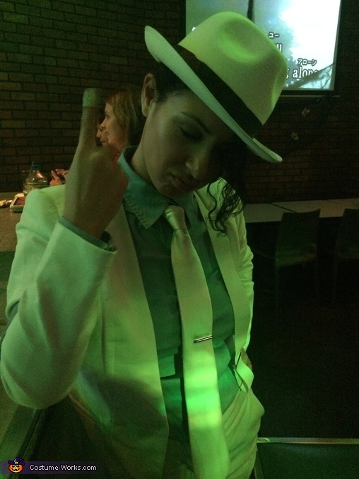 Ow, Michael Jackson Smooth Criminal Costume