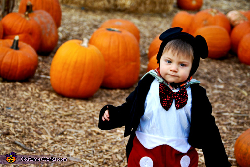 YUM-YUM, they look delicious! Mickey on a pumpking mission, Mickey at the Pumpkin Patch Baby Costume