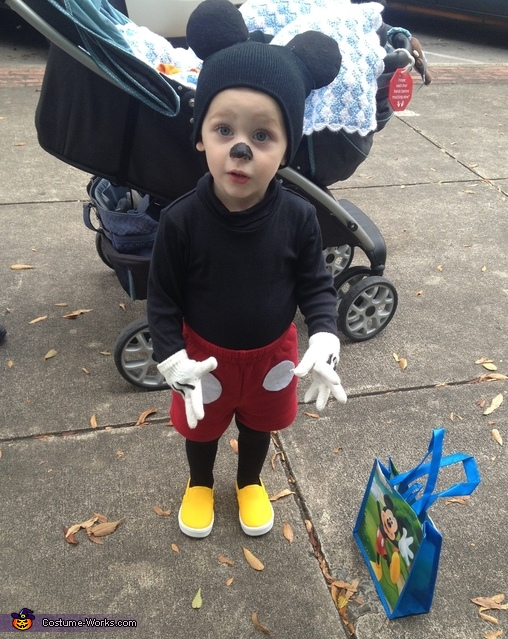 Mickey Mouse, Mickey Mouse Costume