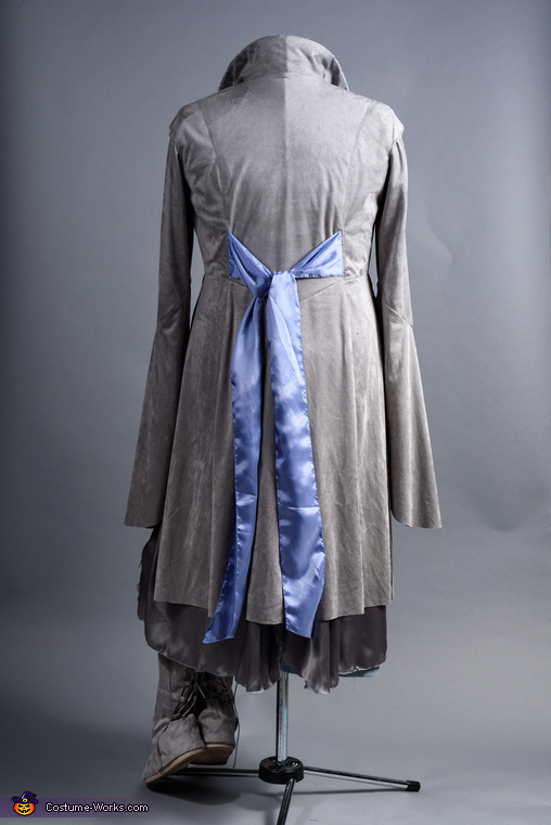 Arwen Costume Back, Middle Earth Family Costume