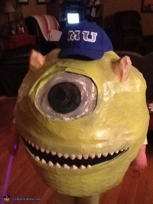 Mike 2, Mike Wazowsky Costume