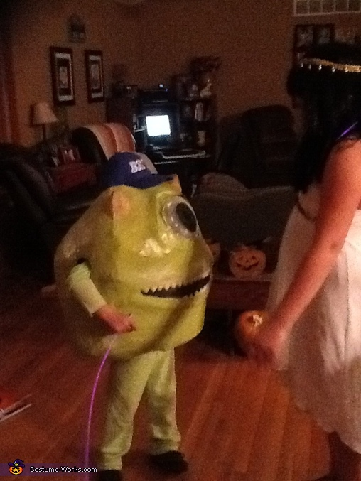 Mike practicing his scare on sister (Queen Cleopatra), Mike Wazowsky Costume