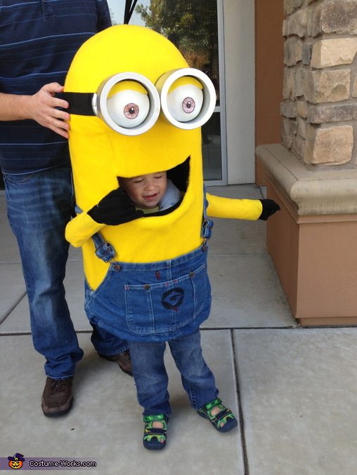 DIY Minion Baby Costume