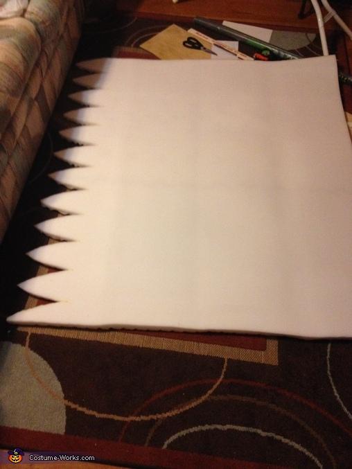Mattress Topper wit top edge cut to fold in, Minion Costume