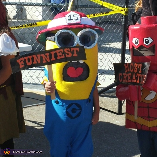 he won funniest costumes in his whole school, DIY Minions Costumes
