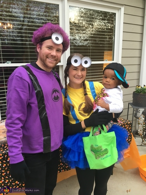 Family Photo - Son was the Fresh Prince!, Minion Mania Costume