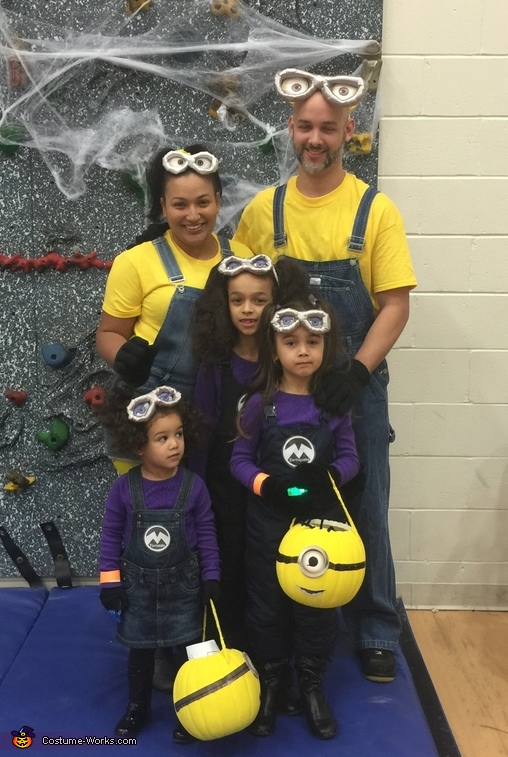 Minions Family Costume