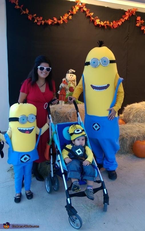 Minions Family Costume