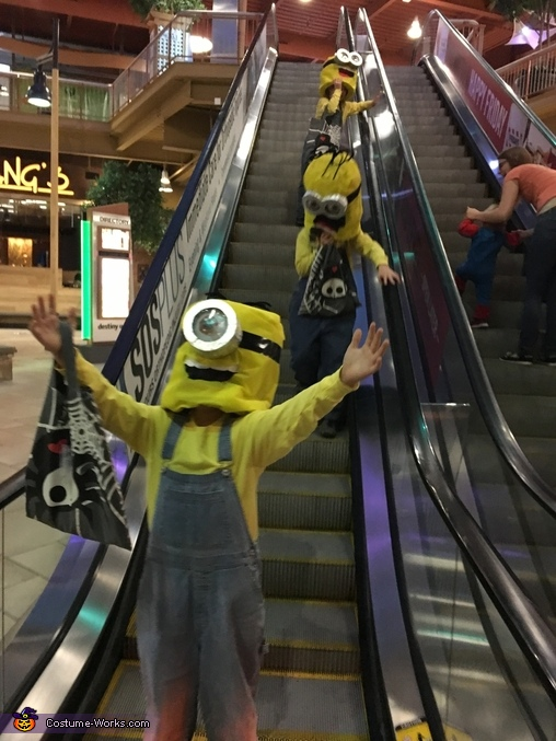 Watch out the Minions are here!, Minions: Stuart, Kevin & Bob Costume