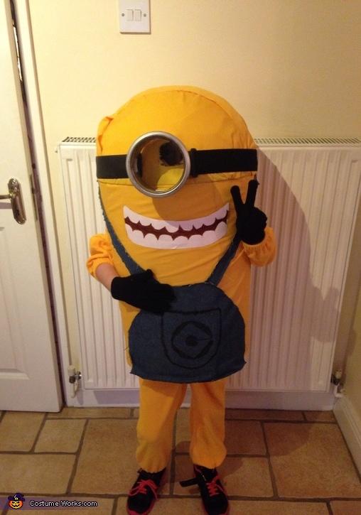 Minon Costume