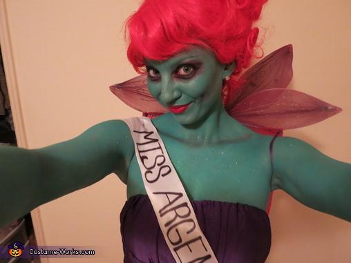 Beetlejuice Miss Argentina Halloween Costume