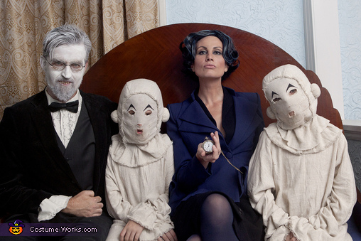 Miss Peregrine S Home For Peculiar Children Family Costume