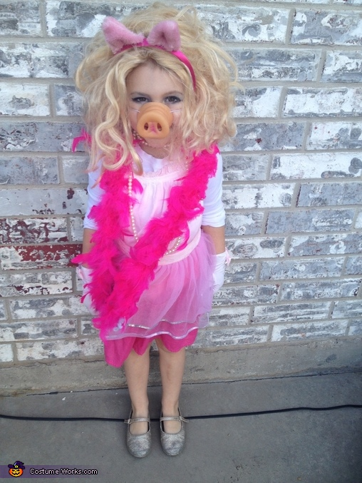 Miss Piggy, Miss Piggy Costume
