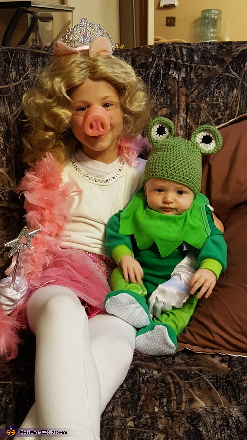 Miss Piggy and Kermit the Frog Costume