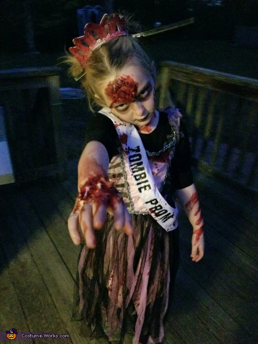Miss Zombie Prom Queen Costume
