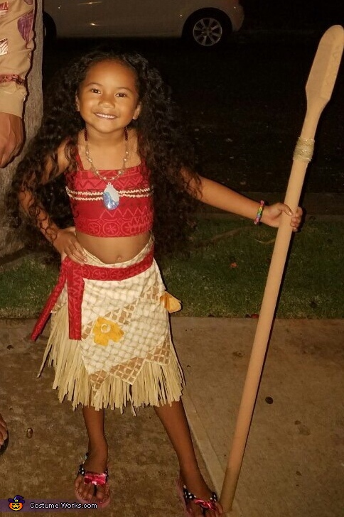 Moana's ready to trick or treat, Moana Costume