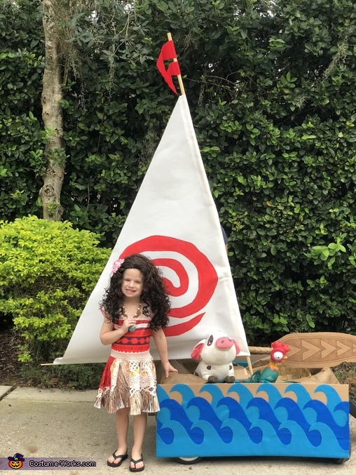 Moana and her boat, Moana and her Boat Costume