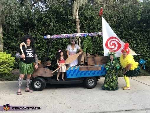 The Moana Crew and her boat, The amazing Moana Family Costume