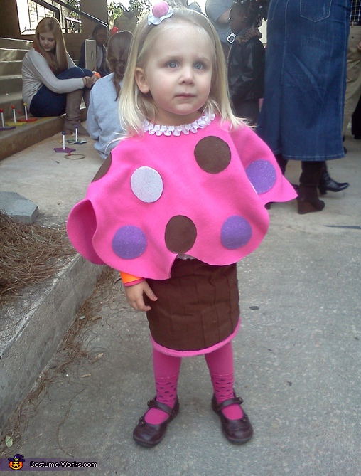 Momma's Little Cupcake Costume