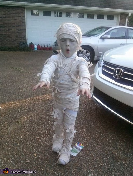 Mommy's Mummy Costume