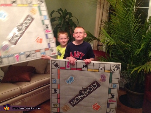 Making the monopoly board costume, Monopoly Family Costume