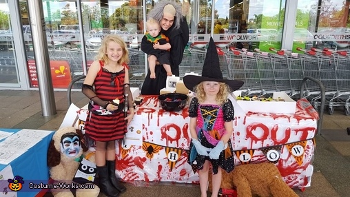 Mord just loves kids. Bring on the BBQ sauce., Mord Costume