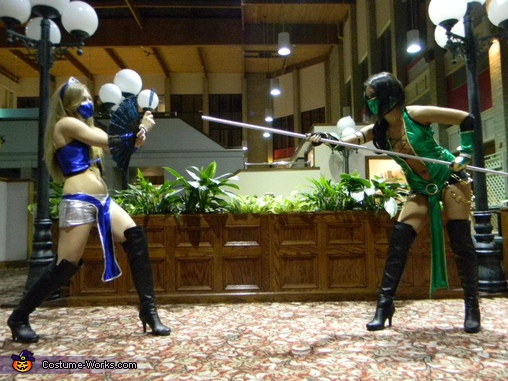 Action shot. Mortal Kombat Fighters - Homemade costumes for groups