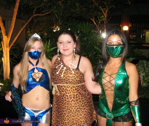 Brighter light. Mortal Kombat Fighters - Homemade costumes for groups