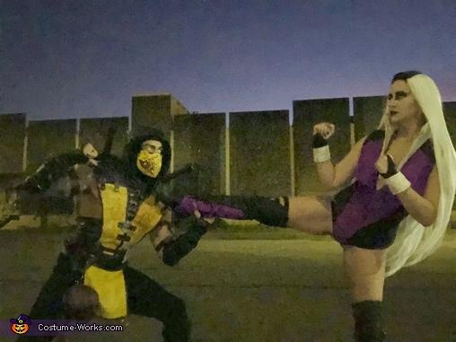 Fight!, Mortal Kombat: Sindel vs Scorpion Costume