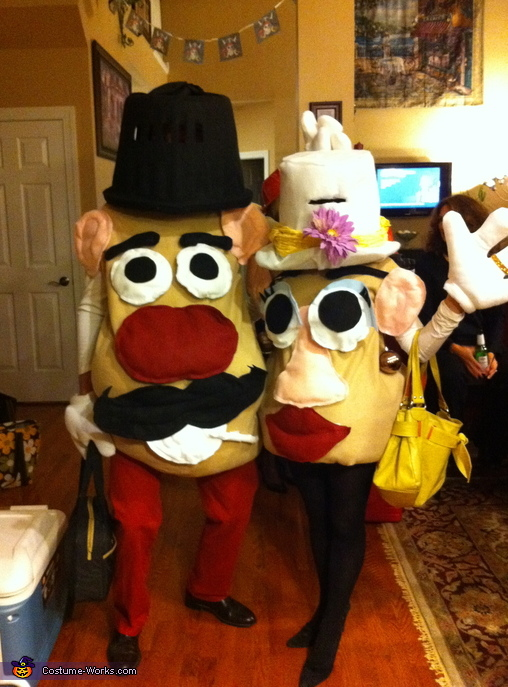 Mr. and Mrs. Potato Head - Homemade costumes for couples