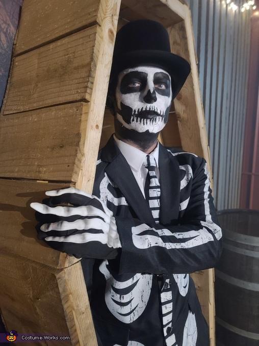 Mr. Bonez Costume