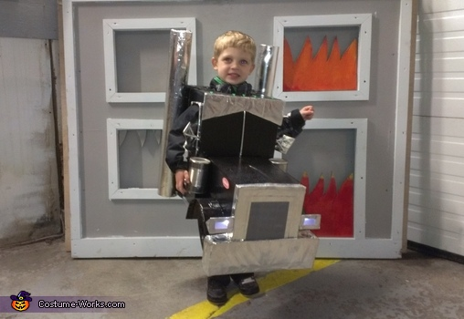 Peterbilt front with working lights!, Mr. Peterbilt Costume