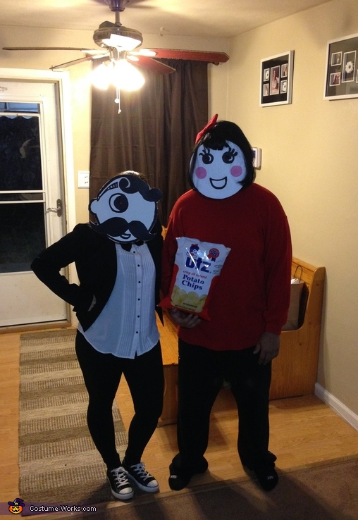 Mrs Utz and Mr Boh Couples Costume