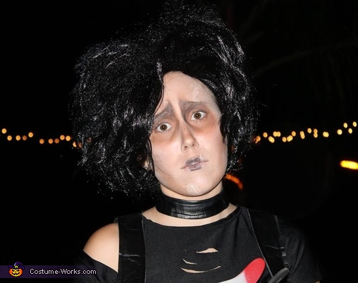 Close up, Ms. Edward Scissorhands Costume