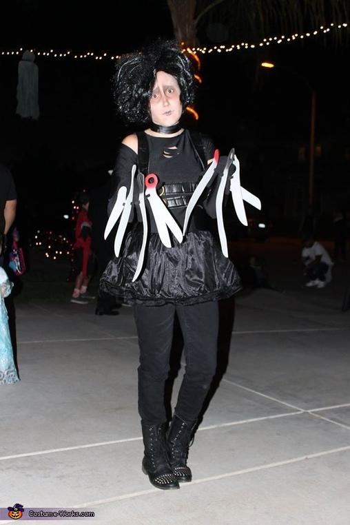Full body, Ms. Edward Scissorhands Costume