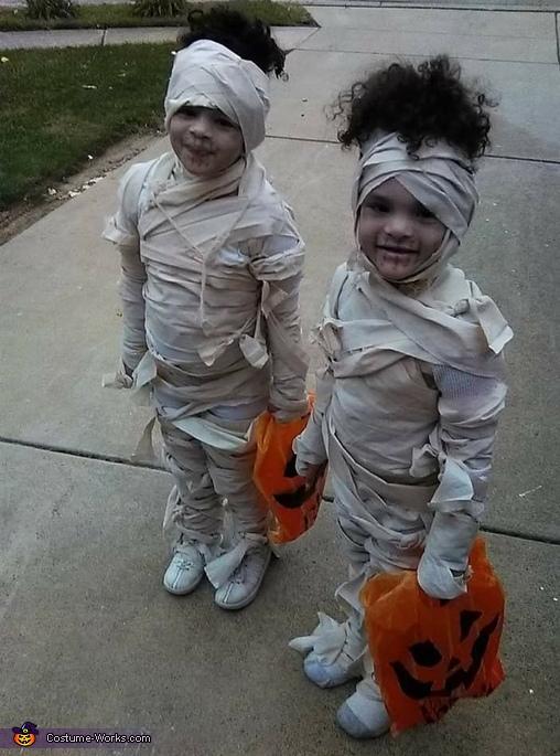 Mummy's Twins Costume