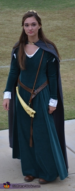 Taylor Veronick Susan Narina Costume that her sister Kendall Veronick made for her, Narnia Susan Costume
