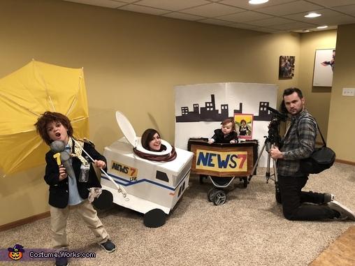 News Team Costume
