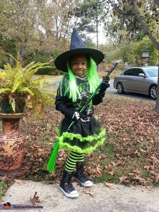 Nice Witch Costume