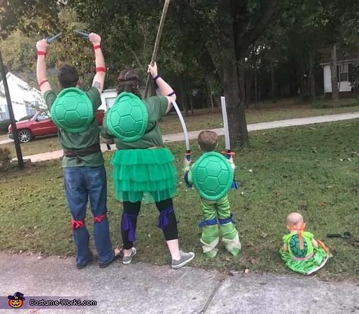 Back, 4 Ninja Turtle Family Costume