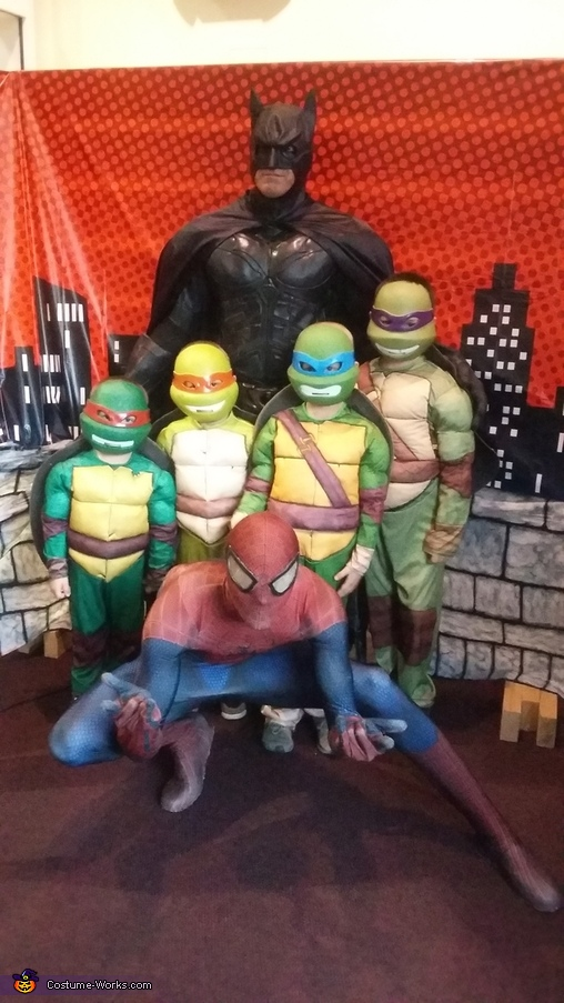 The Turtles meet Batman and Spiderman, Ninja Turtles Costume