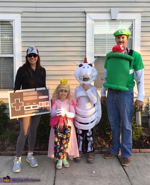 Nintendo Family Costume