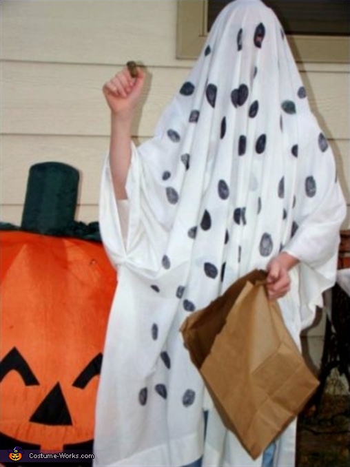 Charlie Brown Trick-or-Treating Costume