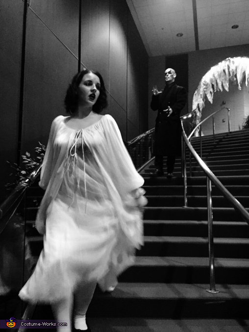 Running from the vampire , Nosferatu and Victim Costume