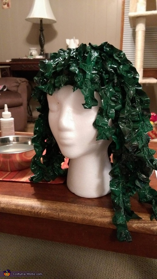 Making the seaweed wig, Old Gregg Costume